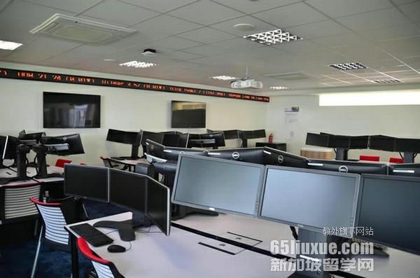 新加坡IT专业大学