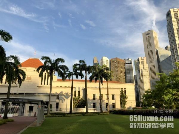 新加坡大�W本科雅思要求